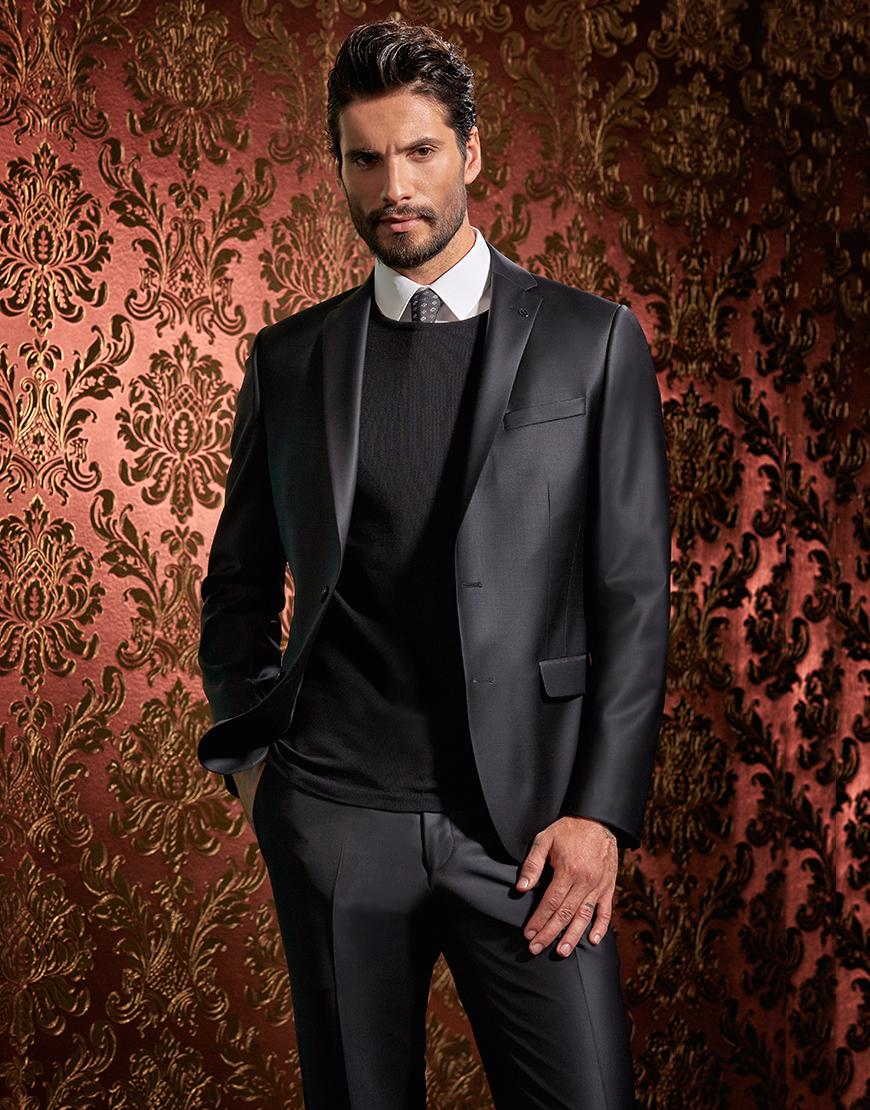 Costum Giotelli negru plain 750 Lei