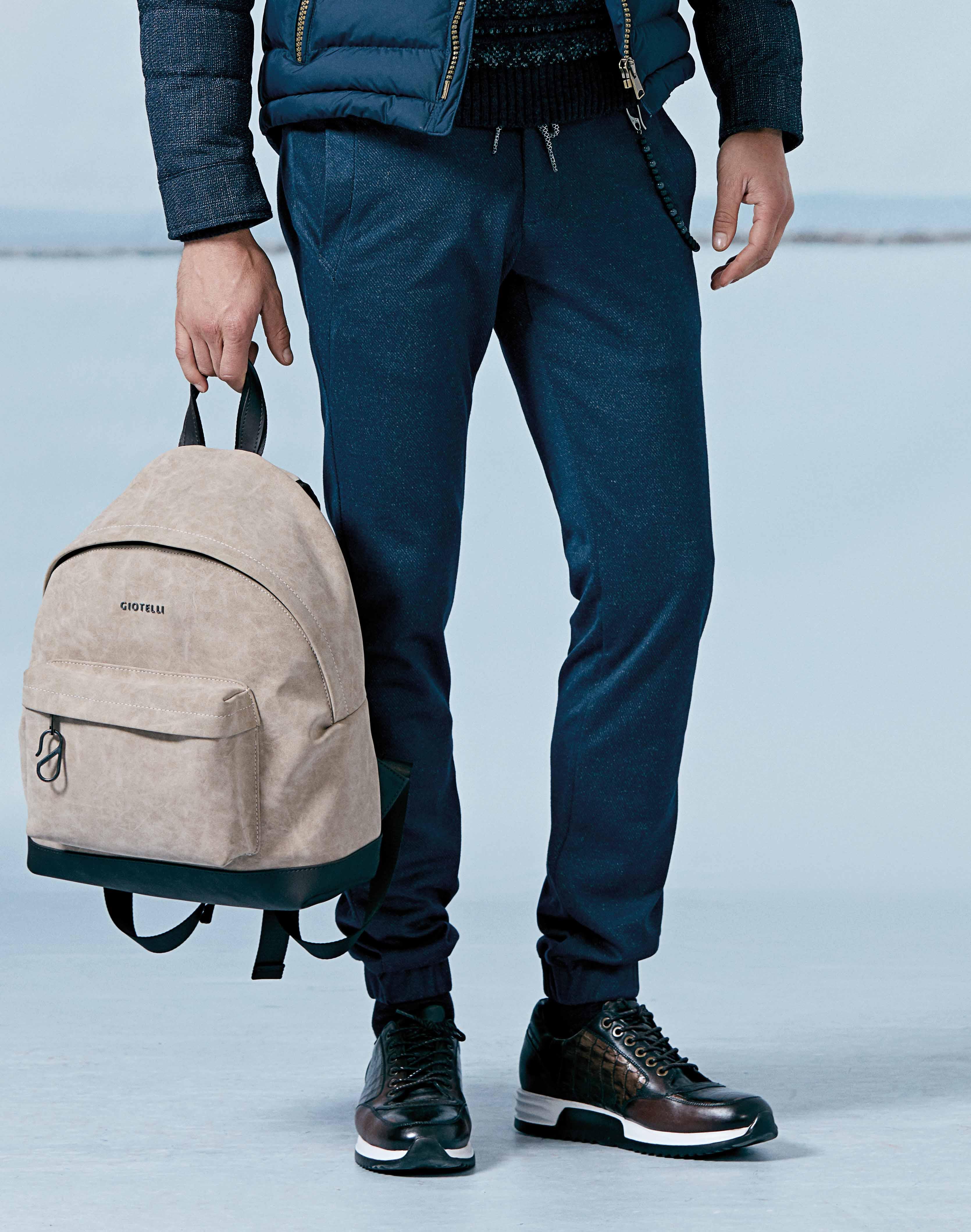 Pantaloni Barbati Bleumarin Casual 300 Lei